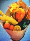 teen puuviljadest ja maiustustest kimpe